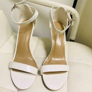 Forever Shoes In Color White Size 8
